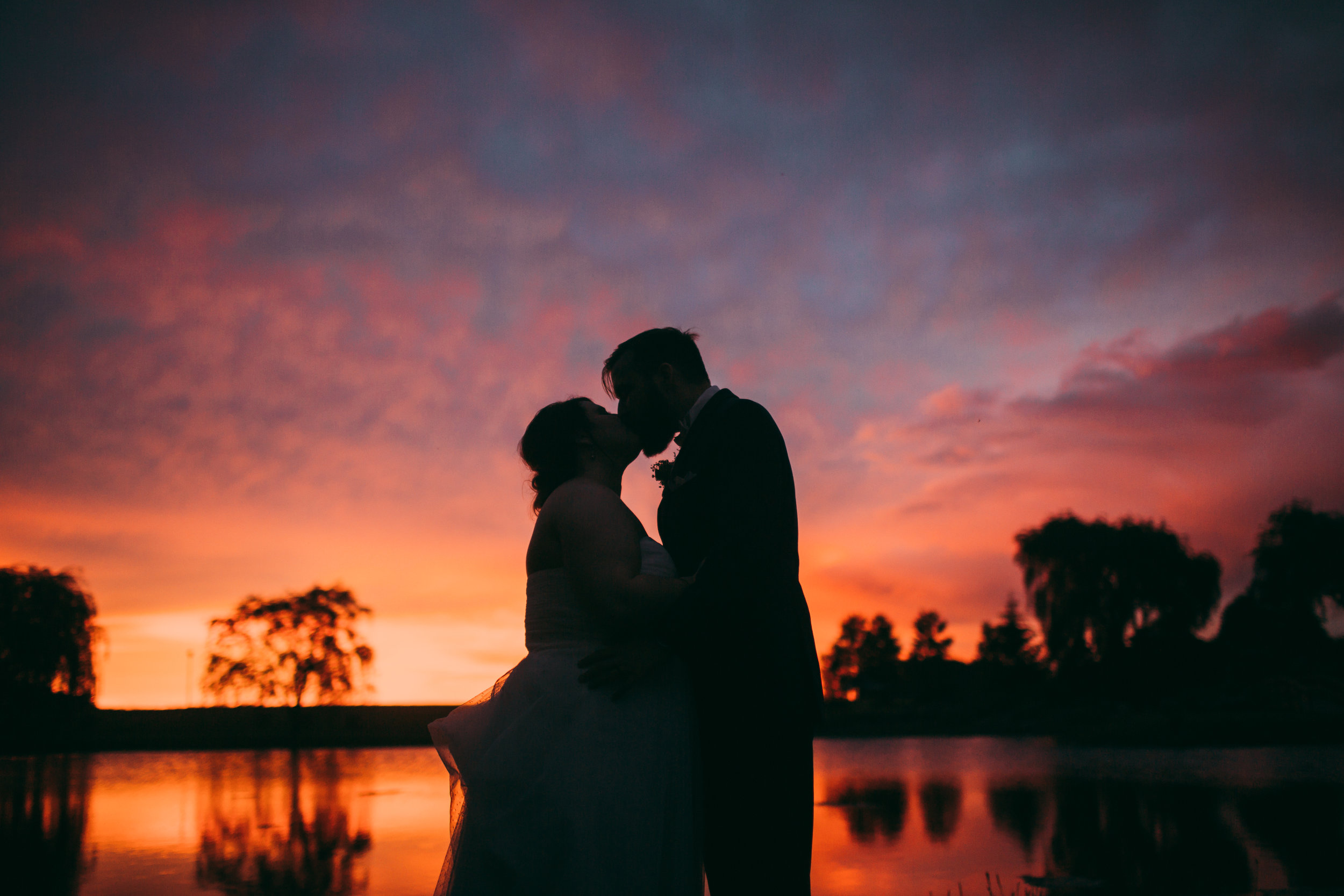 giacomo wedding hidden lake winery sunset kiss