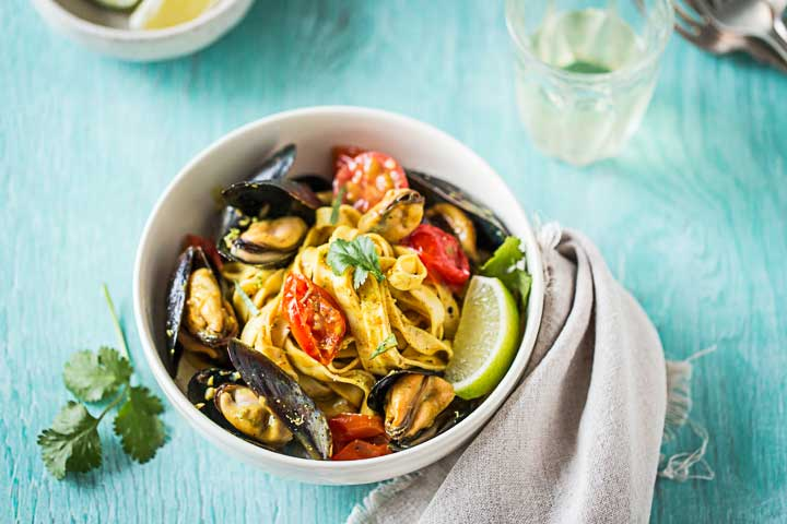 Duso's Fettuccine with Mussel Curry Sauce