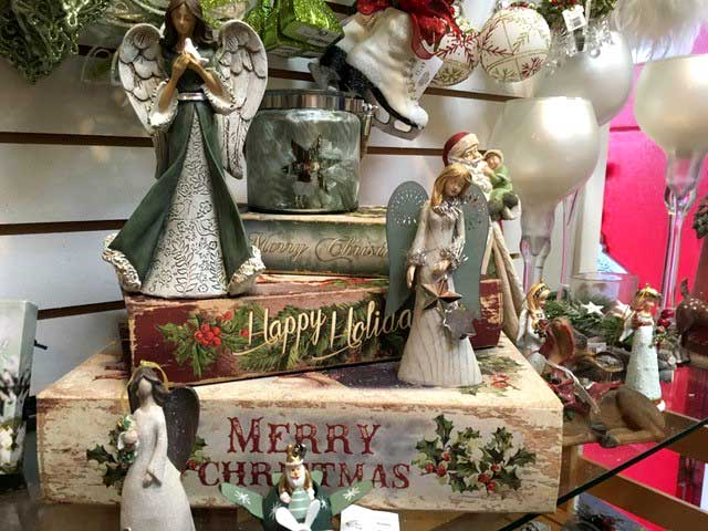 Find everything Christmas at    Glenda's Christmas Cottage