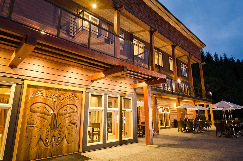 Moutcha-Bay-Resort-lodge.jpg
