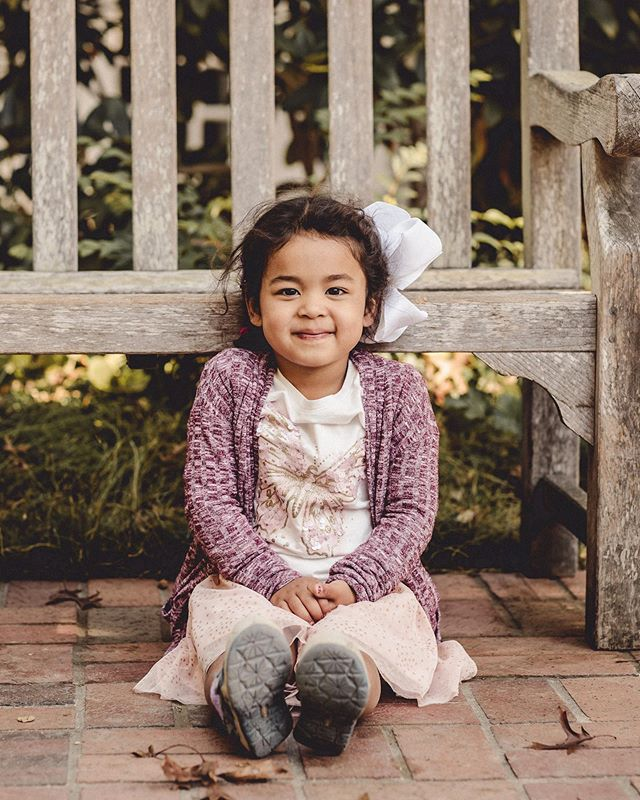 This little lady didn't want to smile for me last year. But this year she was totally into it! #adorable #carraonealphotography #familyphotography #sfbayareaphotographer