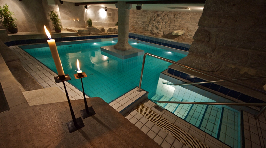 pool-area-wisby-hotel-visby.jpg