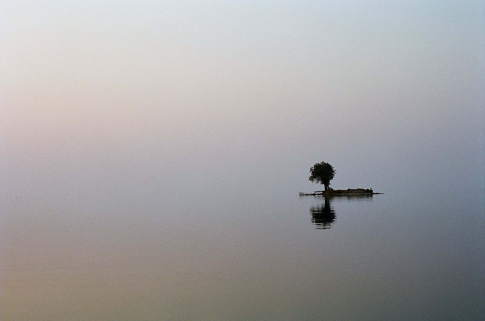Lake Kariba, Zimbabwe, 08.2009, 35mm