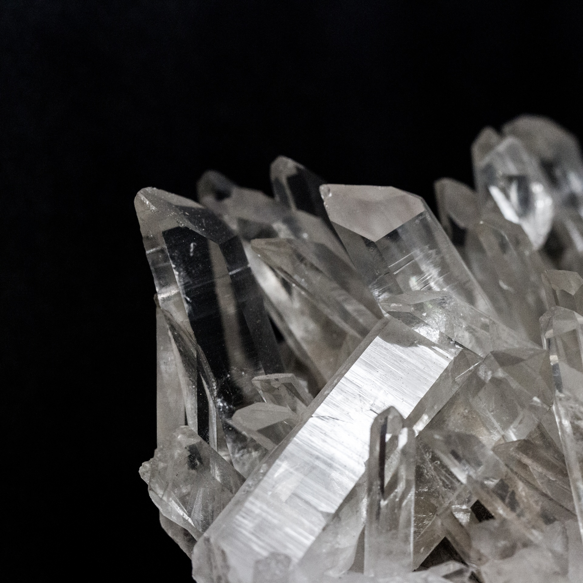 quartz-1489423337r3I.jpg
