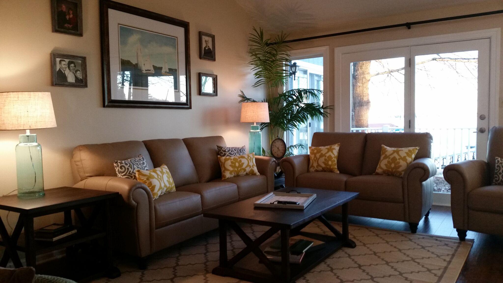 Barnes Living Room.jpg
