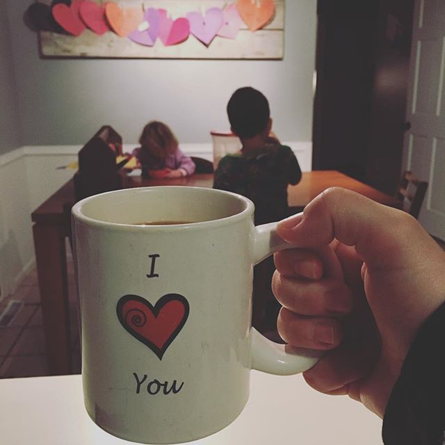 Day 5 of no school. Polar vortex in full force. Everyone is a little stir crazy! This mug was the perfect choice for our early morning. ❤️❄️ ☕️ • • • #earlymorning #momlife #dadlife #parenting #polarvortex #coffeekeepsmegoing #guesswhatistillloveyou