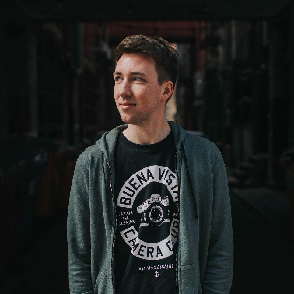 Jonathan Ogden   Singer-Songwriter