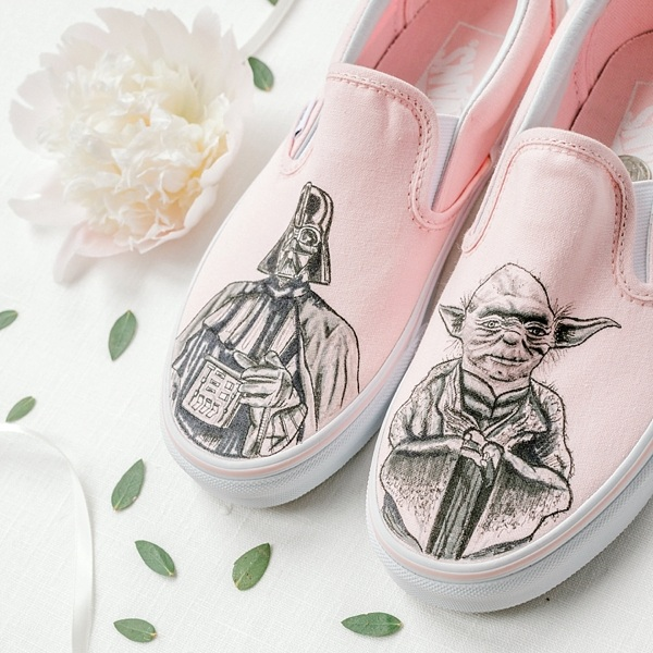Via    Tidewater and Tulle    / Shoes:    Etsy-Brinkadoodle