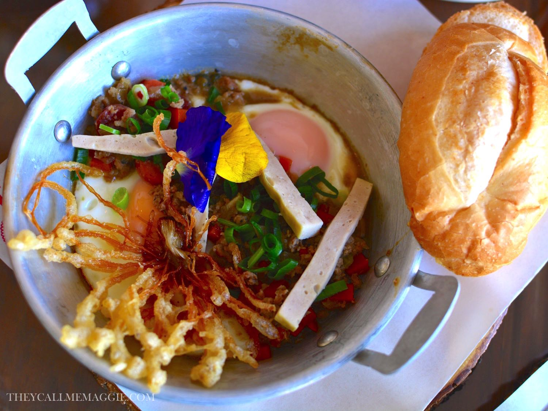Kai gra ta - with cocktail sausage, sautéed mince pork, Chinese sausage and spring onion
