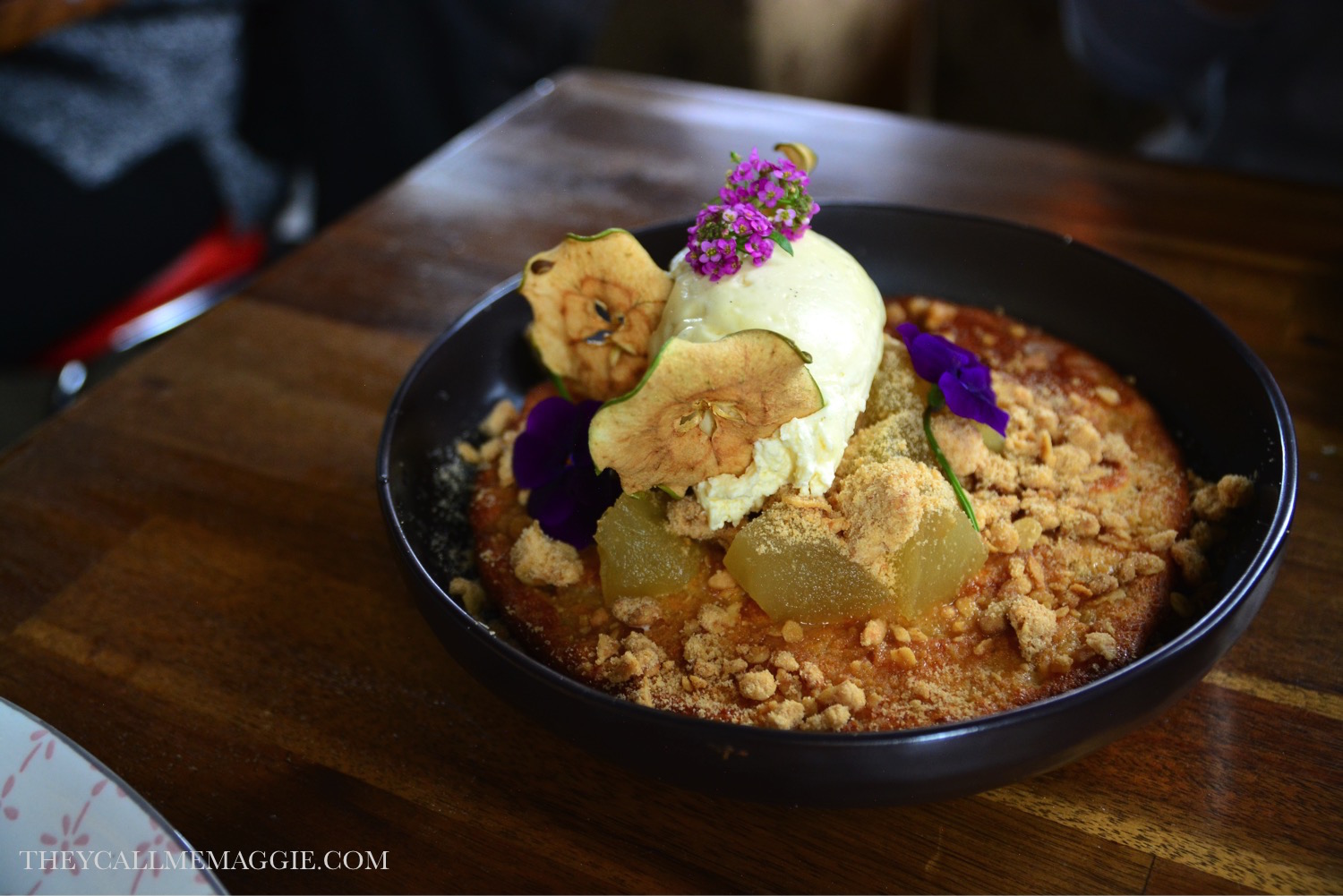 apple-crumble-hotcakes.jpg