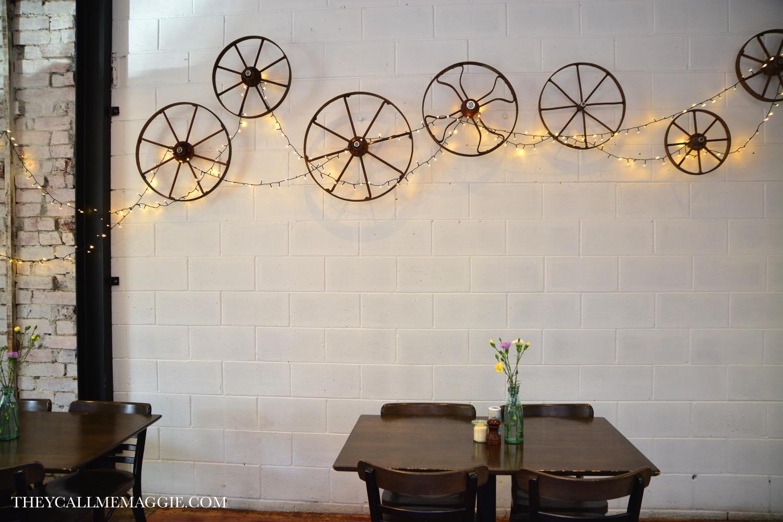 cute-cafe-interior.jpg