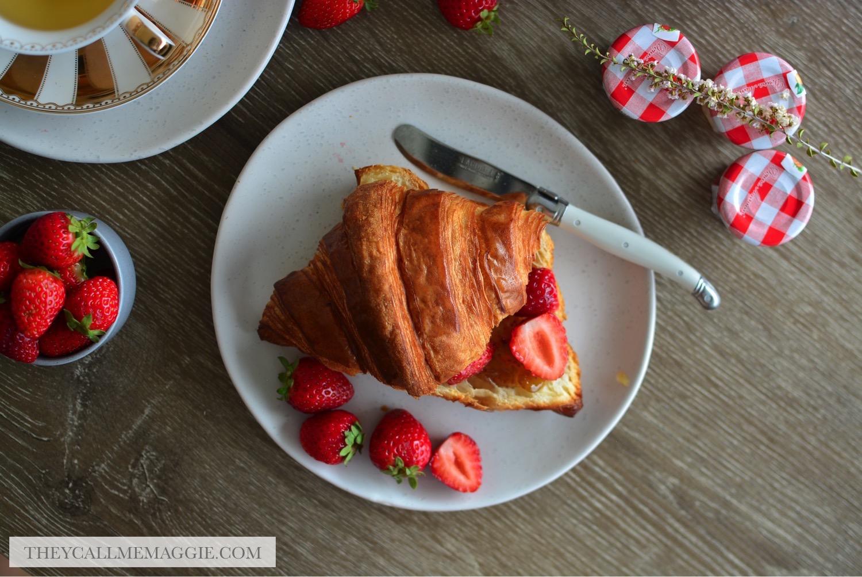 croissant-strawberry.jpg