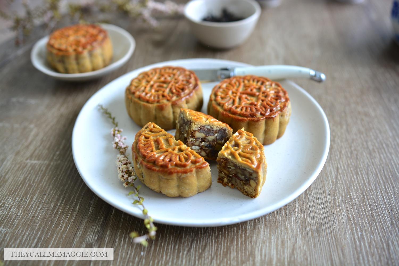 sliced-mooncakes.jpg