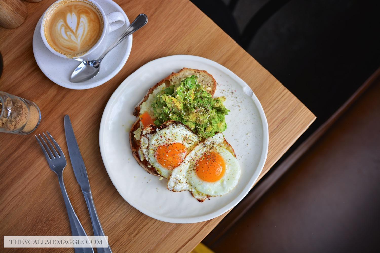avo-fried-eggs-toast.jpg