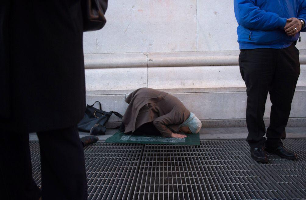 afaf praying.jpg
