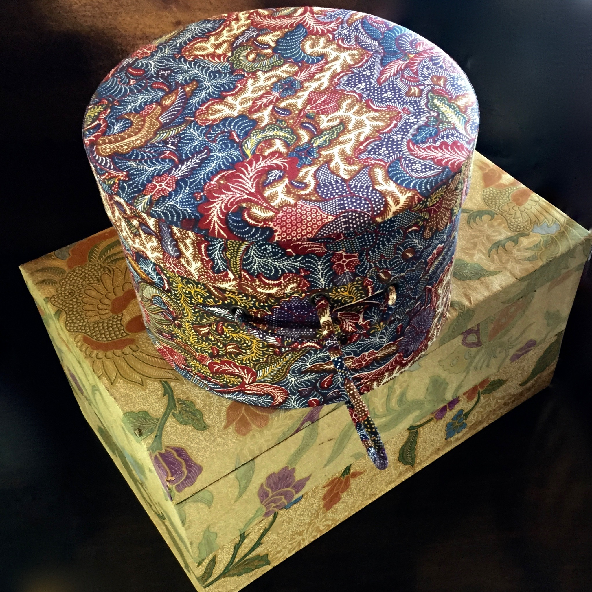 BATIK HAT BOX AND YELLOW BATIK BOX
