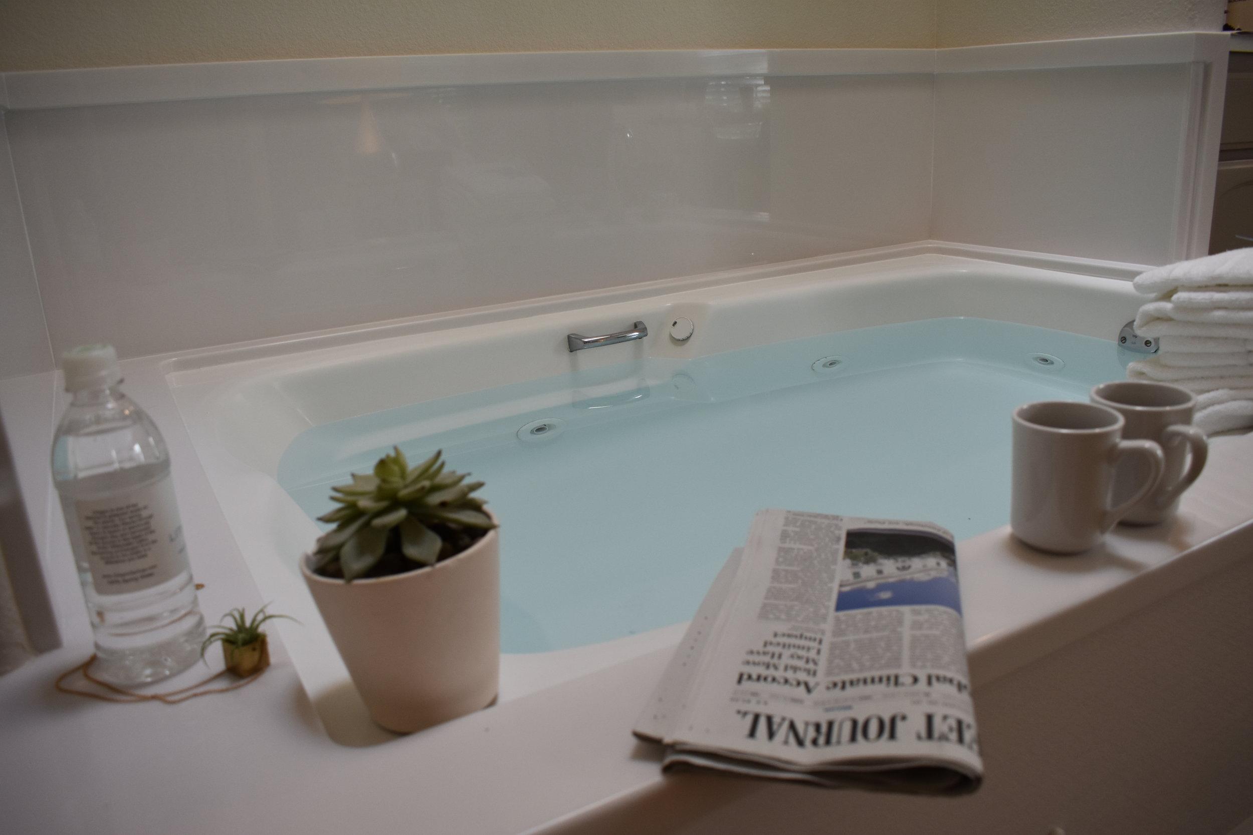 spa-bungalow-bath-tub