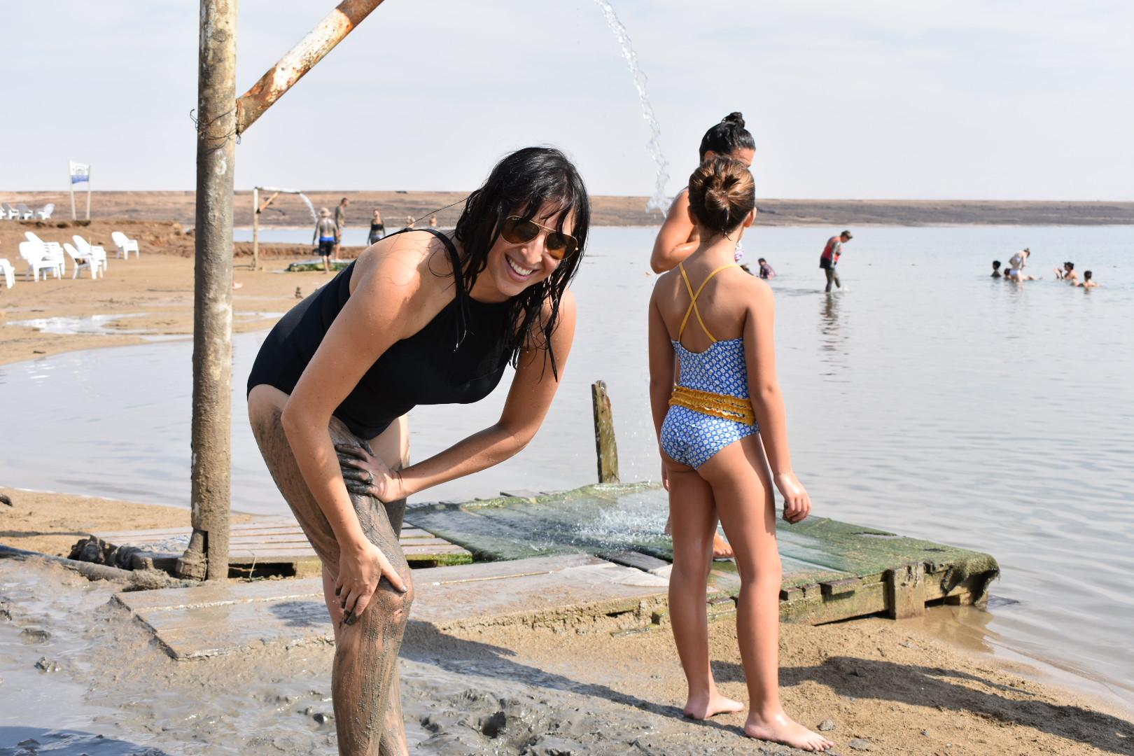 healing-properties-of-dead-sea-mud