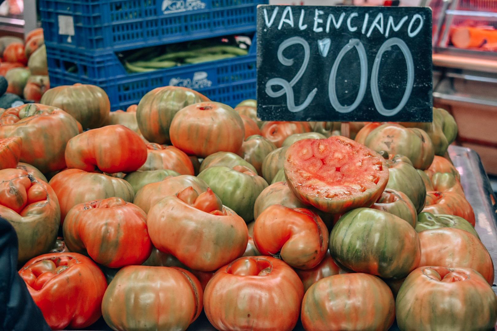 Valencia-Food-Tour-Valenciano-Tomatoes.jpg