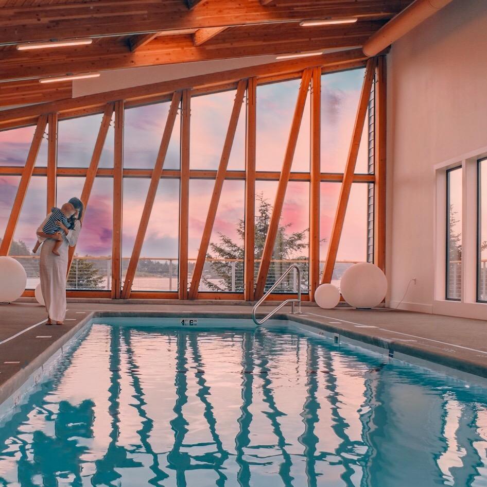 resort-amenities-salt-water-pool-on-the-oregon-coast