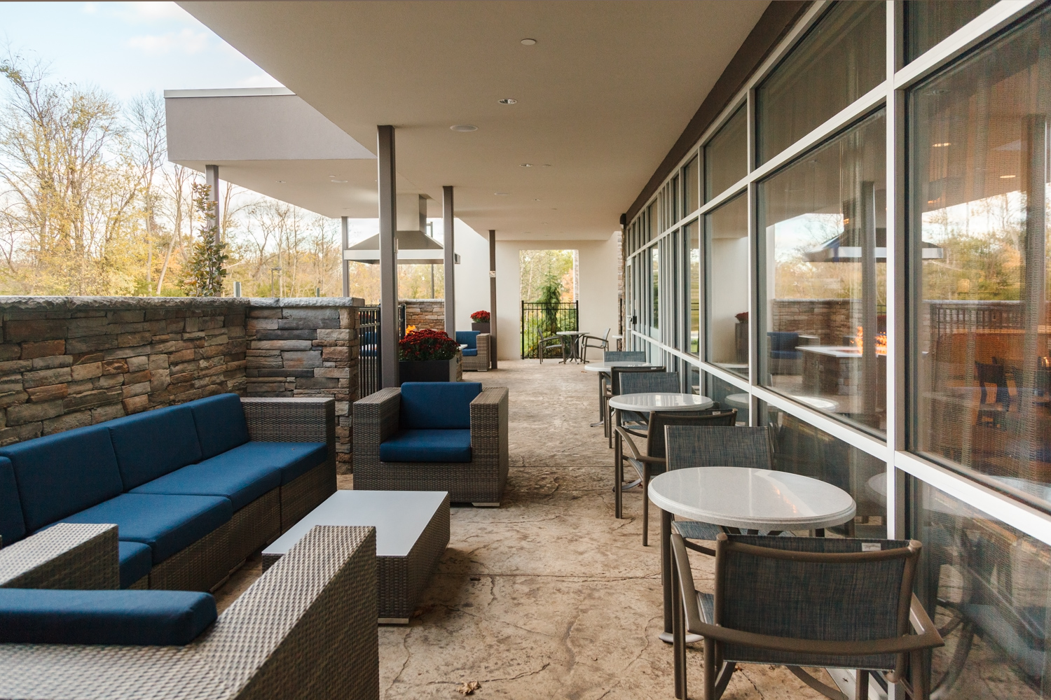 Marriott SpringHill Suites Somerset New Jersey Outdoor Patio with Fire pit