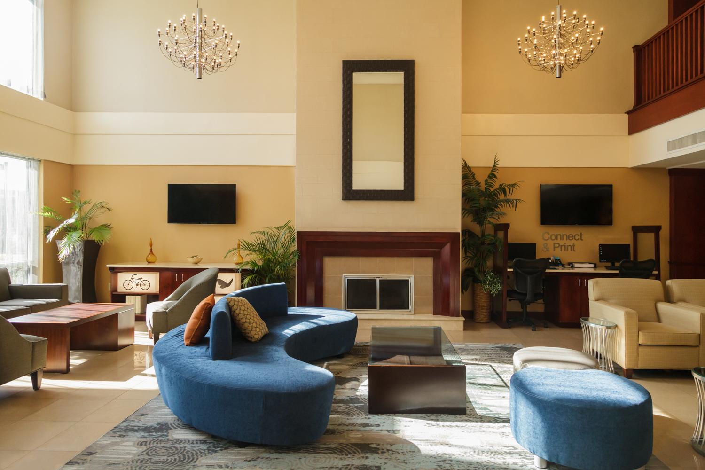 Marriott Fairfield Suites Somerset New Jersey Main Lobby
