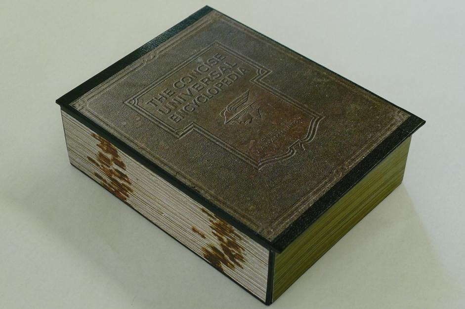 box-hinged-encyclopedia