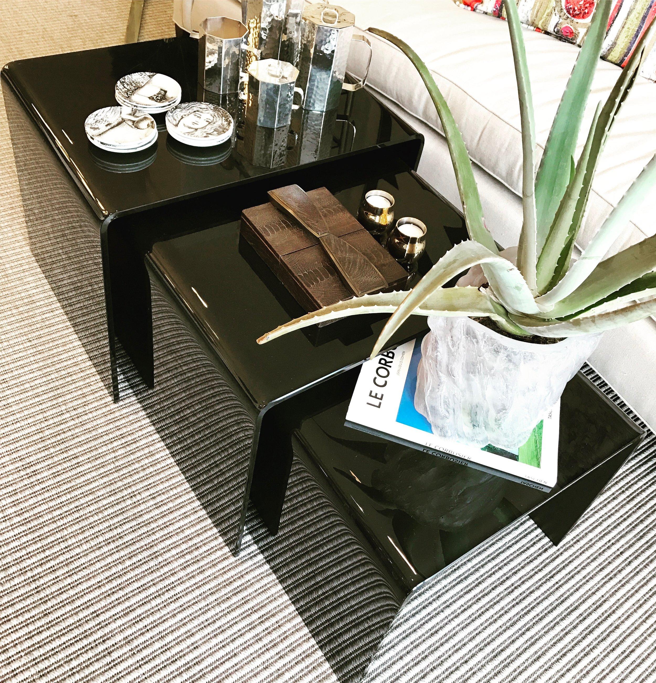 BLACK GLASS NESTING TABLE