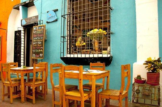 LAMART  Carrea 3ra #16-36, Callejón Del Correo, Centro Histórico, Santa Marta Colombia Teléfono: +57 5 4310797 http://www.lamart.com.co  lamartgastronomica@gmail.com  ARTFOOD SCORE: ✪✪✪