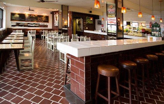 LA 73 PARADERO GOURMET  Av. El Sol Oeste 175, Barranco, Lima, Perú Telefono: +51 1 2470780 www.facebook.com/La-73-de-Barranco-14084227251/ info@restaurantela73.com
