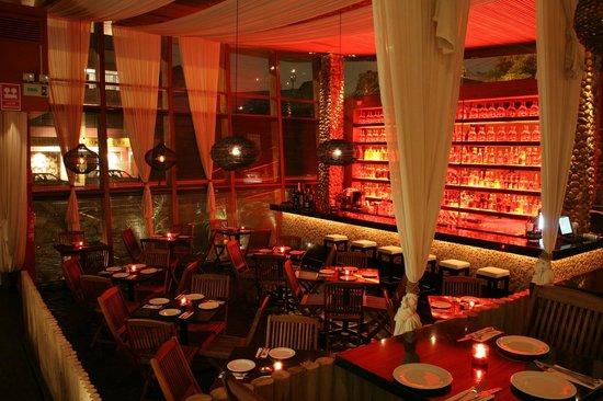 BRAVO RESTOBAR Av. Conquistadores 1005, San Isidro. Lima, Perú Telefono: +51 1 2215700 www.bravorestobar.com/  reservas@bravorestobar.com