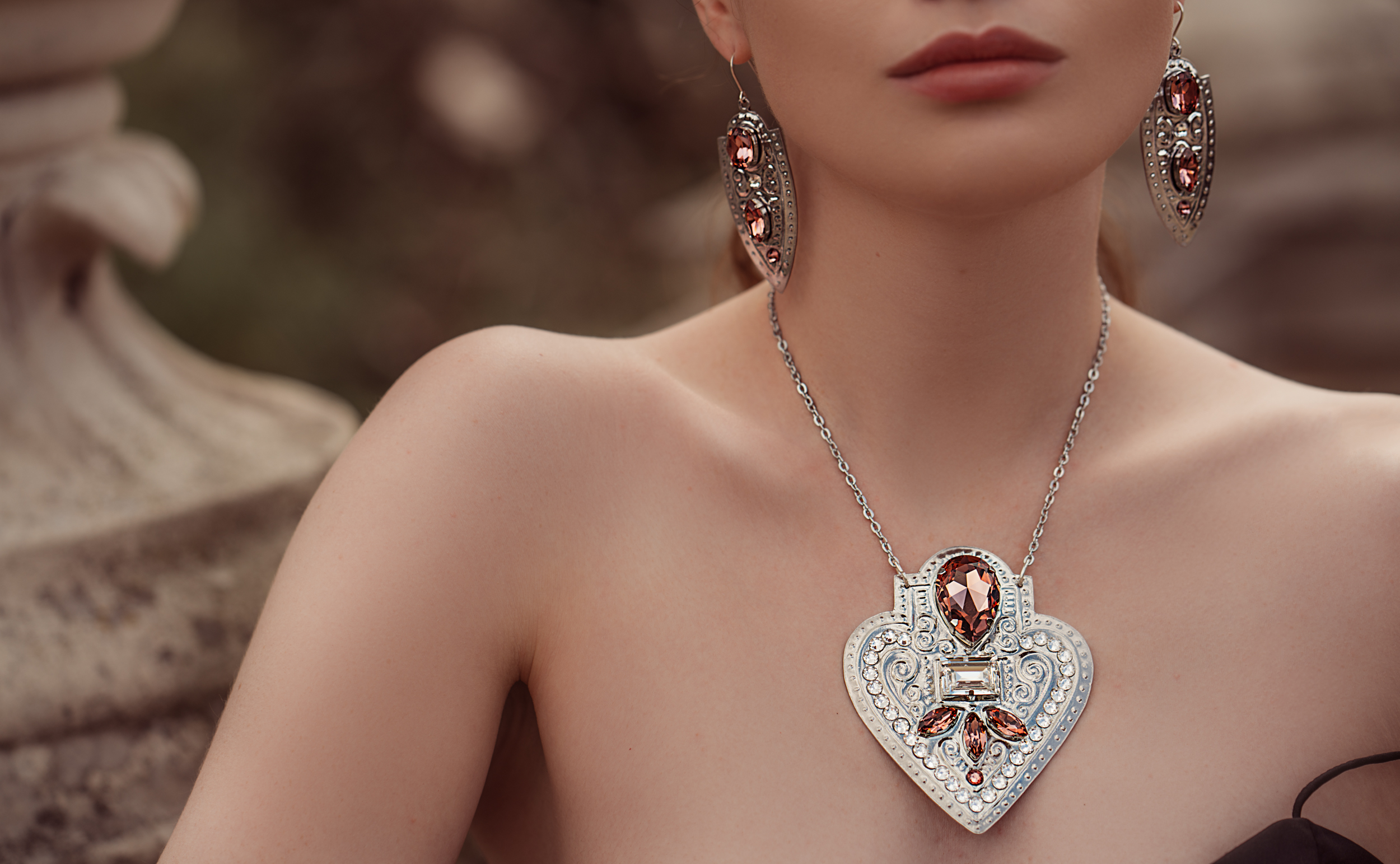 GILL-CLEMENT-MUSE-COLLECTION-JEWELLERY-SHOP-ONLINE-LOOK-BOOK-3.jpg