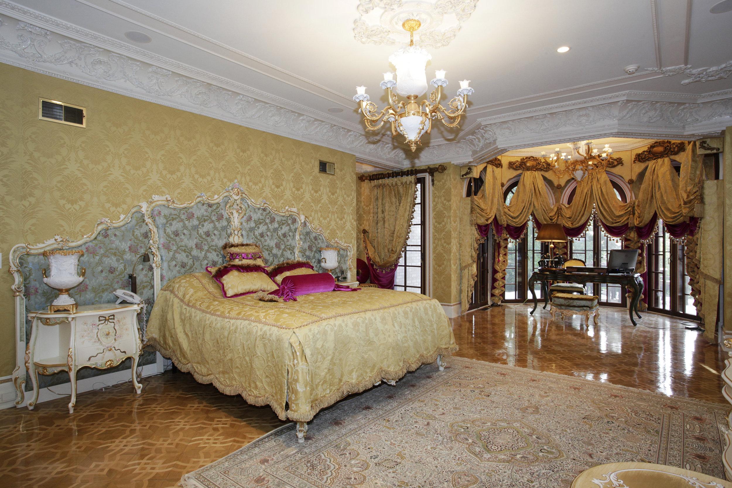 954_colonial_road_MLS_HID897974_ROOMmasterbedroom.jpg