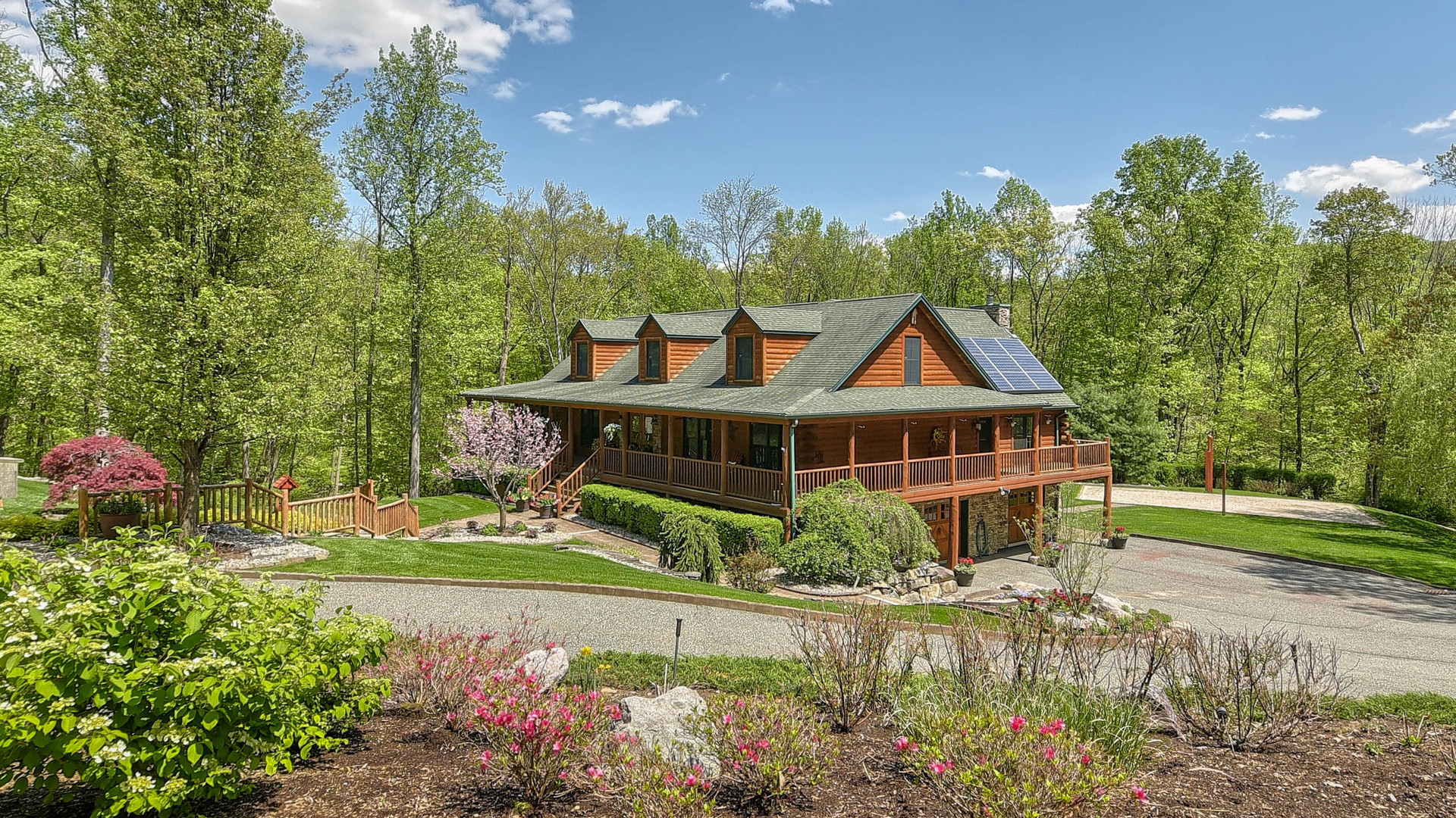 9 Mary Hill, Ringwood  Listed for $800,000  Live every day like a lavish spa getaway! Set upon 3.57 majestic acres, this breathtaking custom home is truly one of a kind.