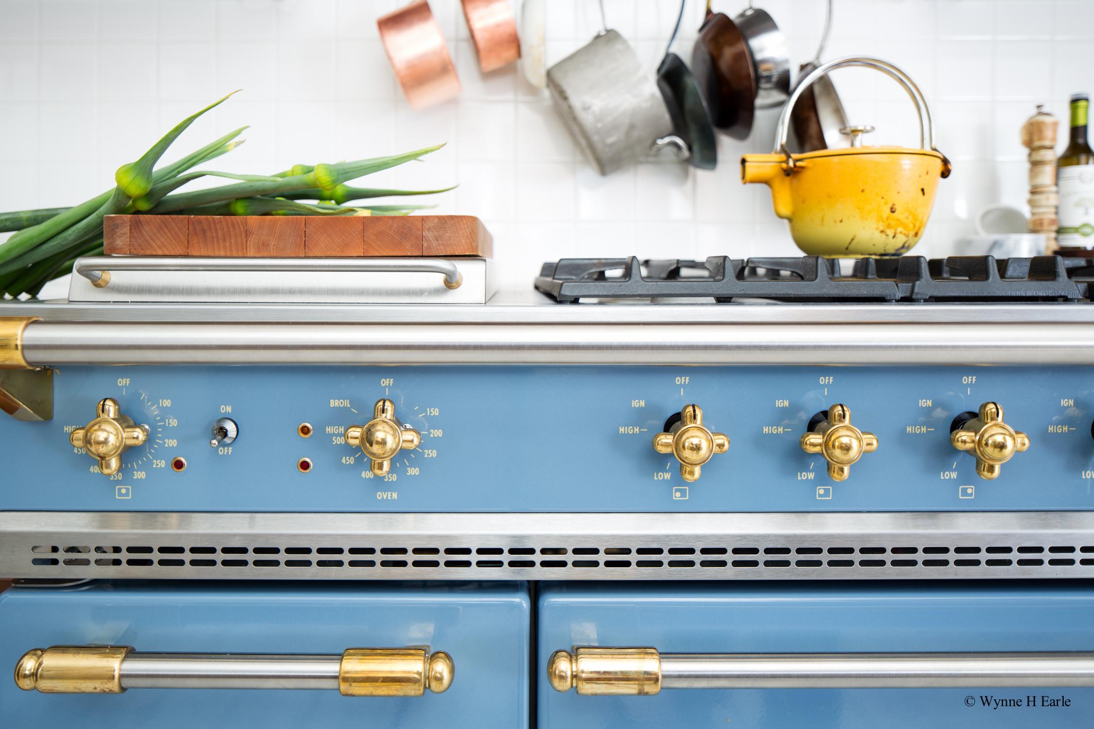 Distinctive Kitchens-range-.jpg