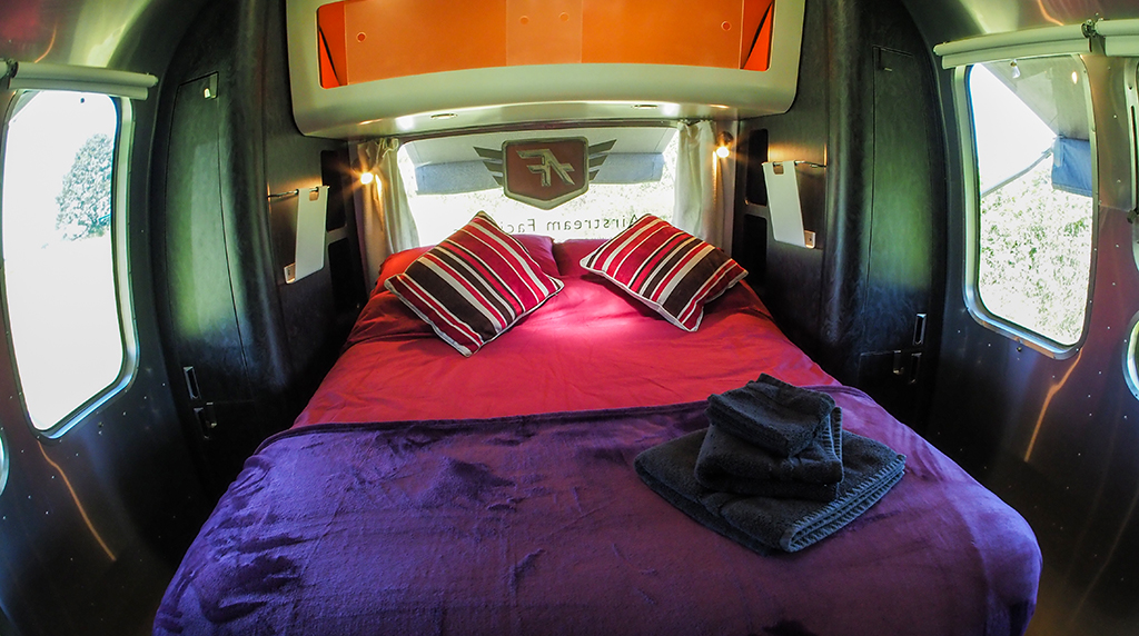 Airstream Facilities AF7 rear bed 3 interior.jpg