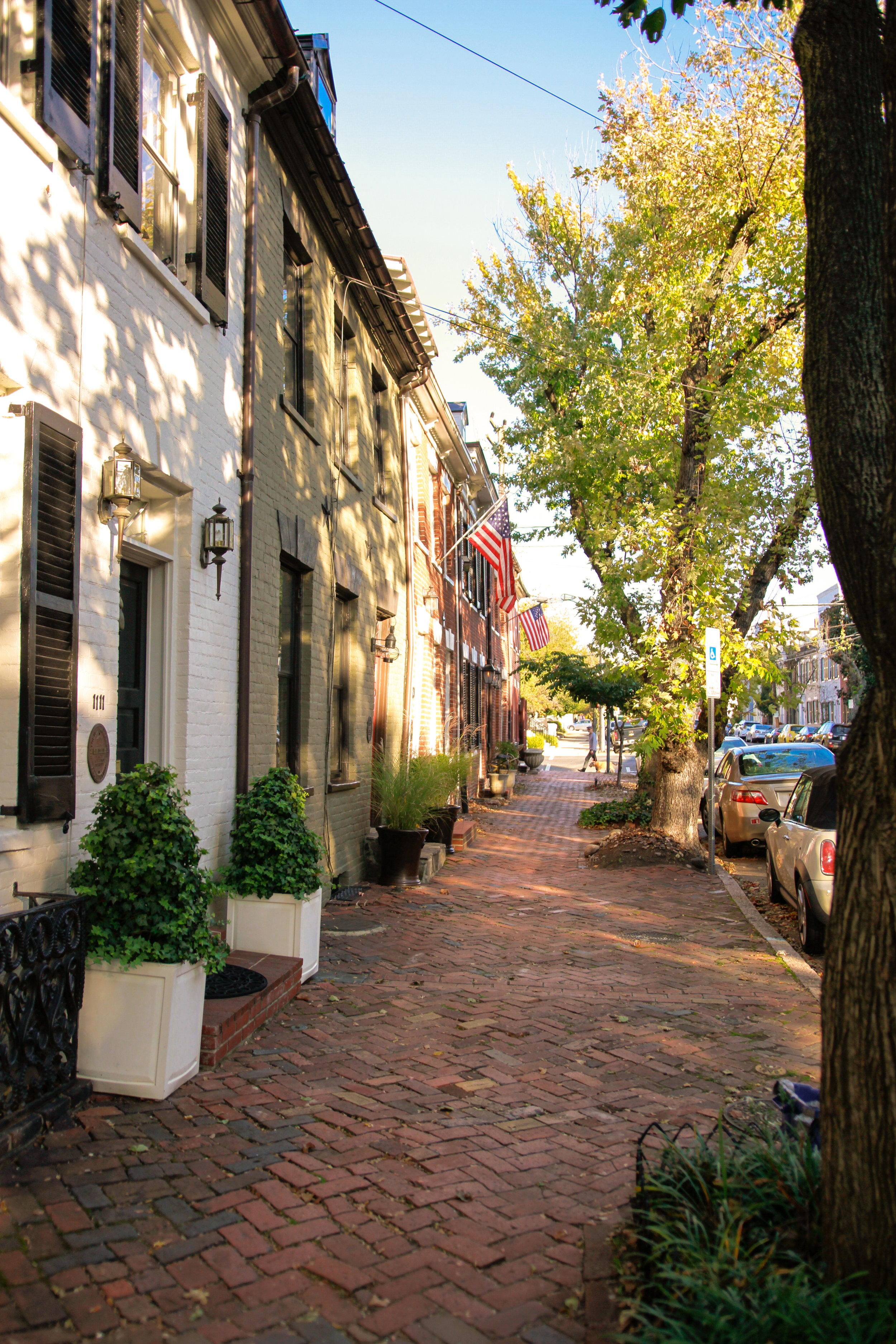 Old Town Alexandria, Virginia | Maral Noori Photography | Fall Travel Blogger and Lifestyle Photogrpaher