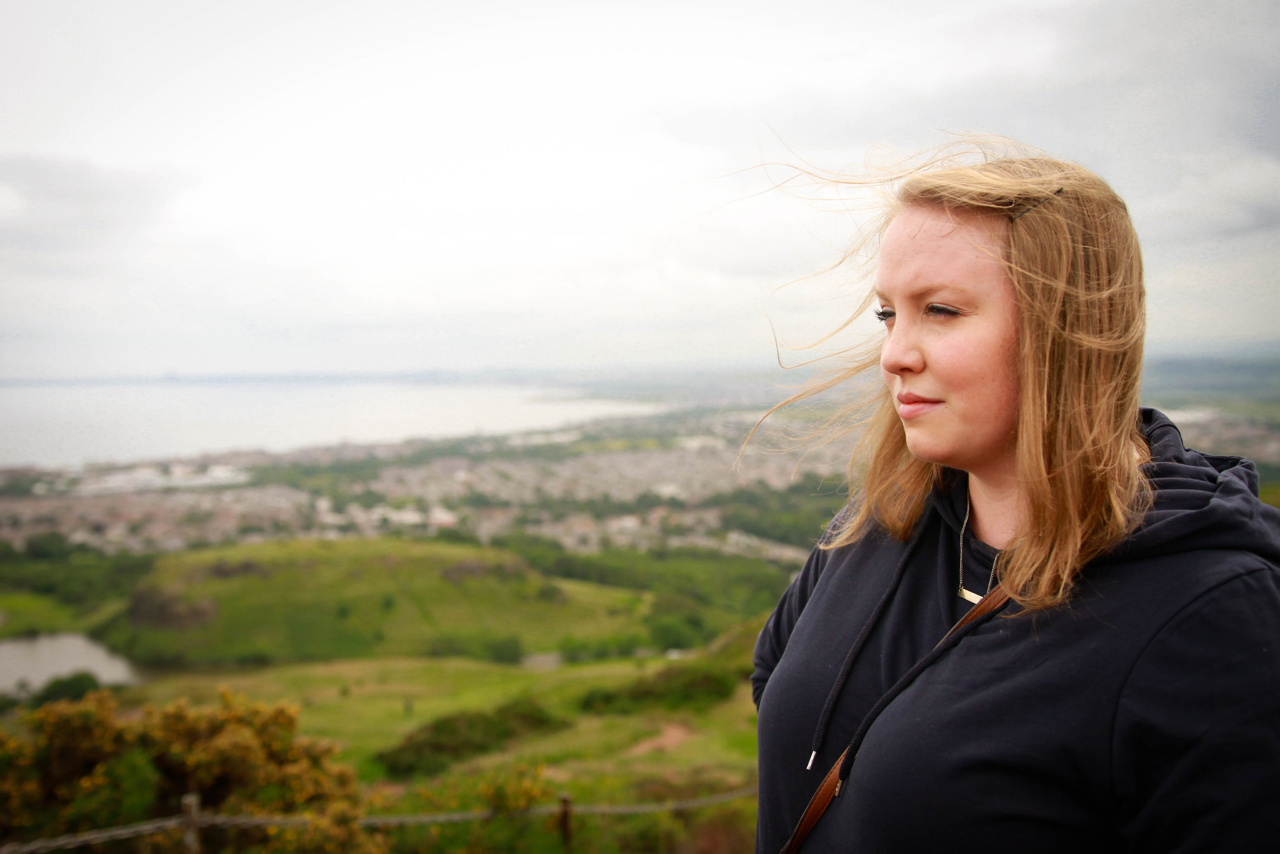 Travel Blogger | Edinburgh Scotland | Destination Elopement & Wedding Photographer | Travel Photography & Tips | Maral Noori Photography| Arthur's Seat