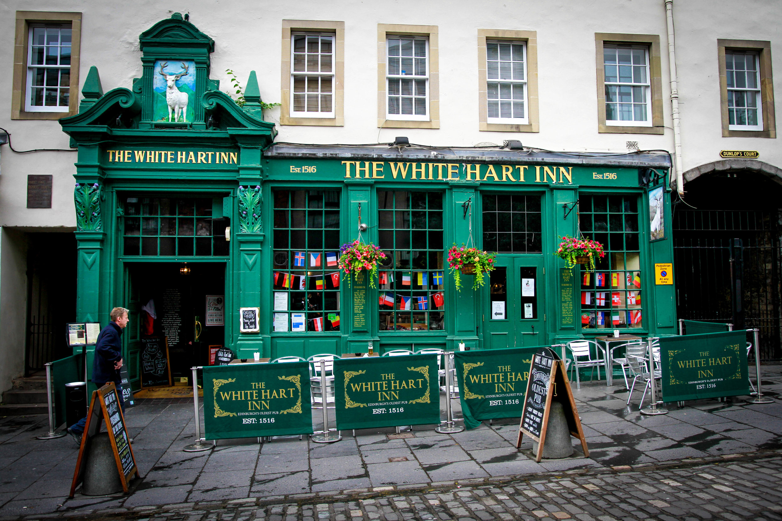 Travel Blogger | Edinburgh Scotland | Destination Elopement & Wedding Photographer | Travel Photography & Tips | Maral Noori Photography| The White Hart Inn