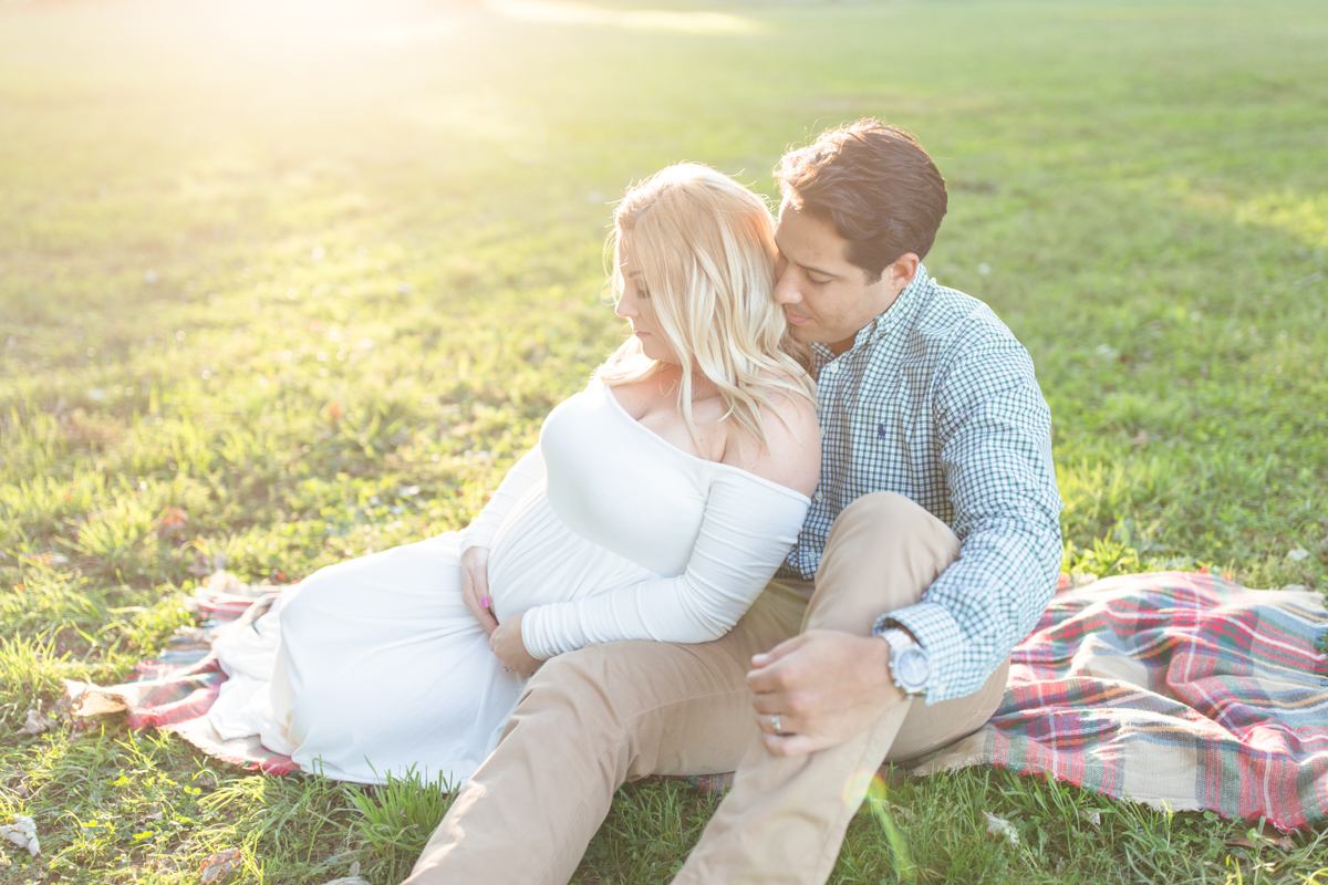 Alexandria Maternity Photographer | Maral Noori Photography | Fall Belle Haven Park