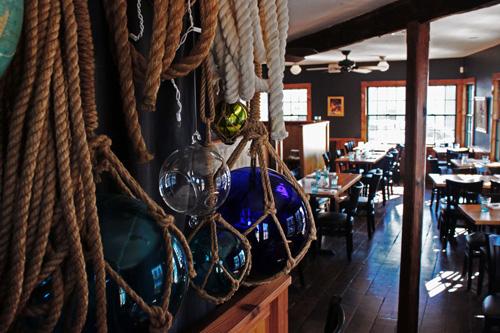 glass-balls_dining-room__WEB.jpg