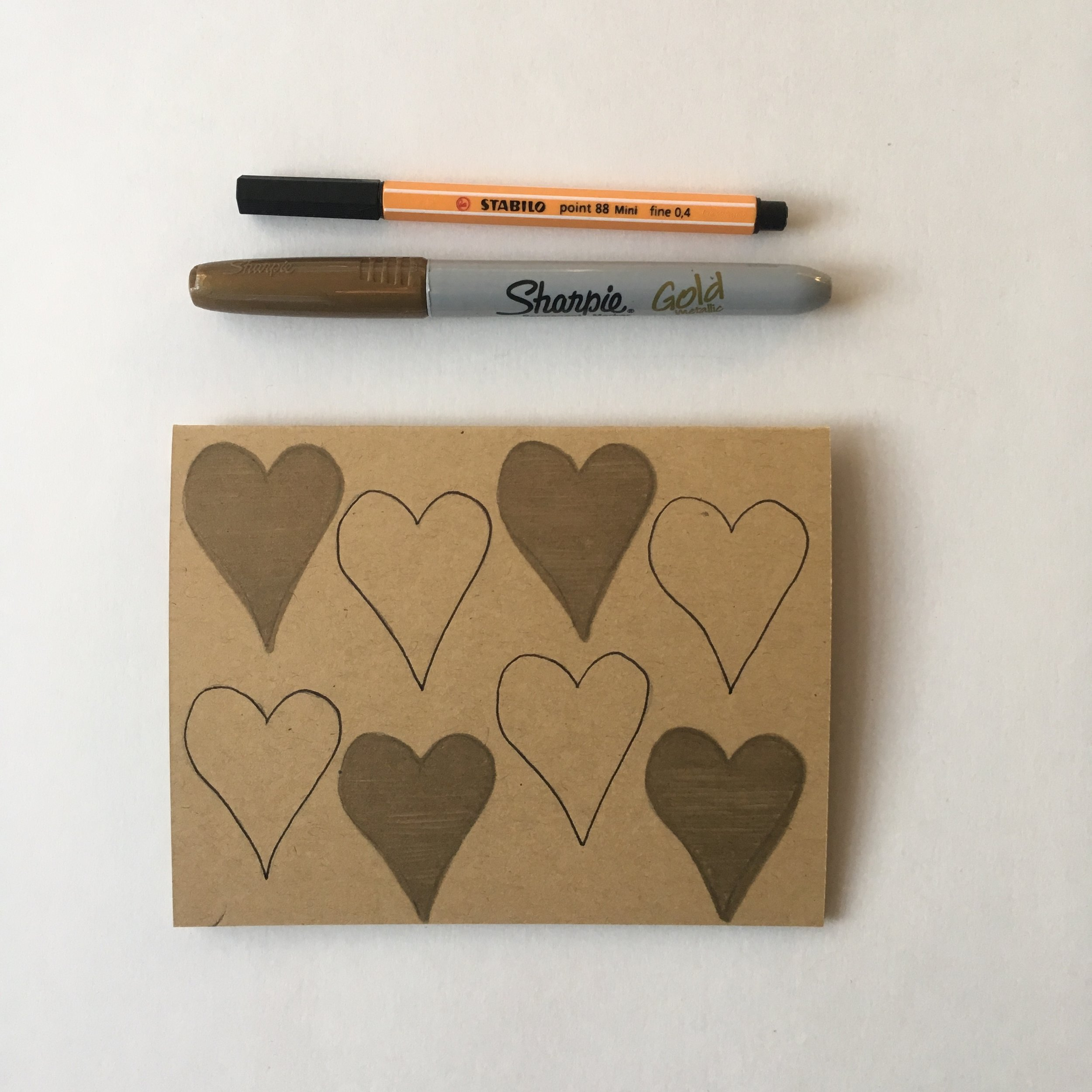 Hearts Pattern - Gold and Black