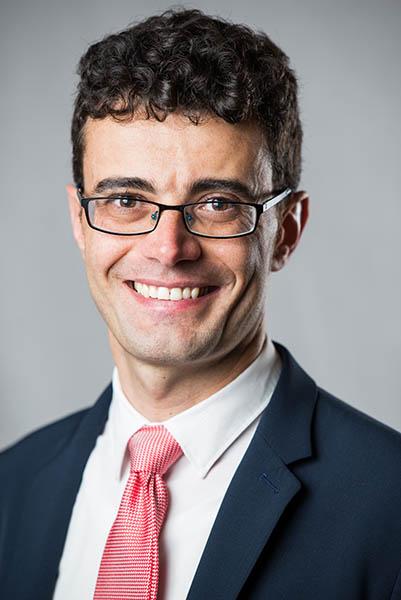 Dr. Claudio Vellutini