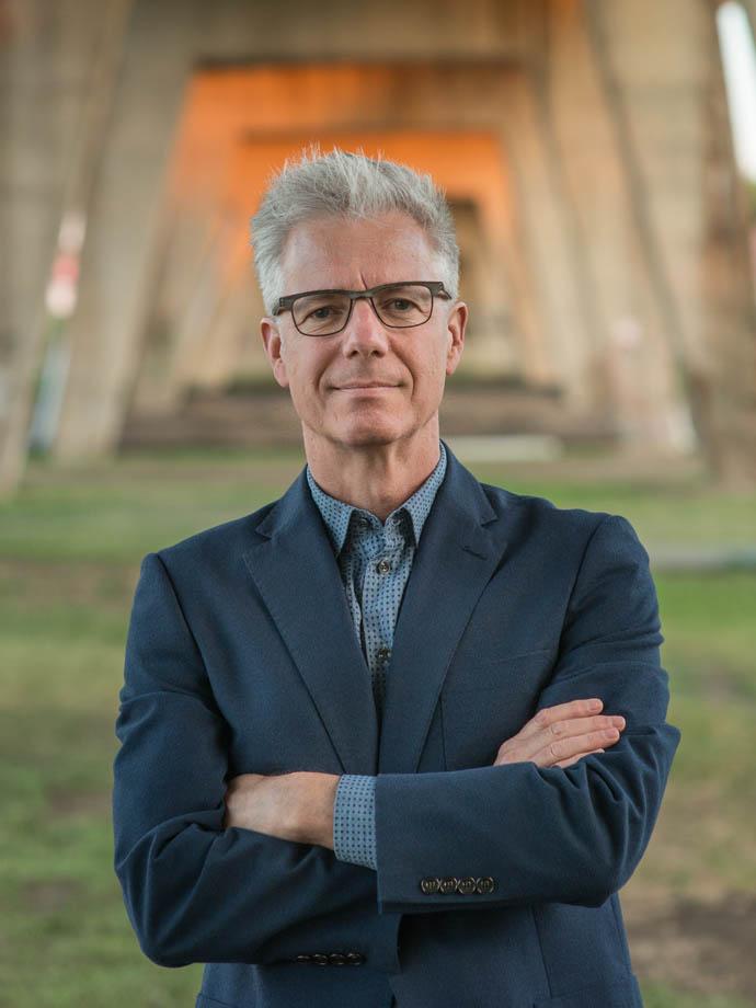 Dr. Patrick Carrabré