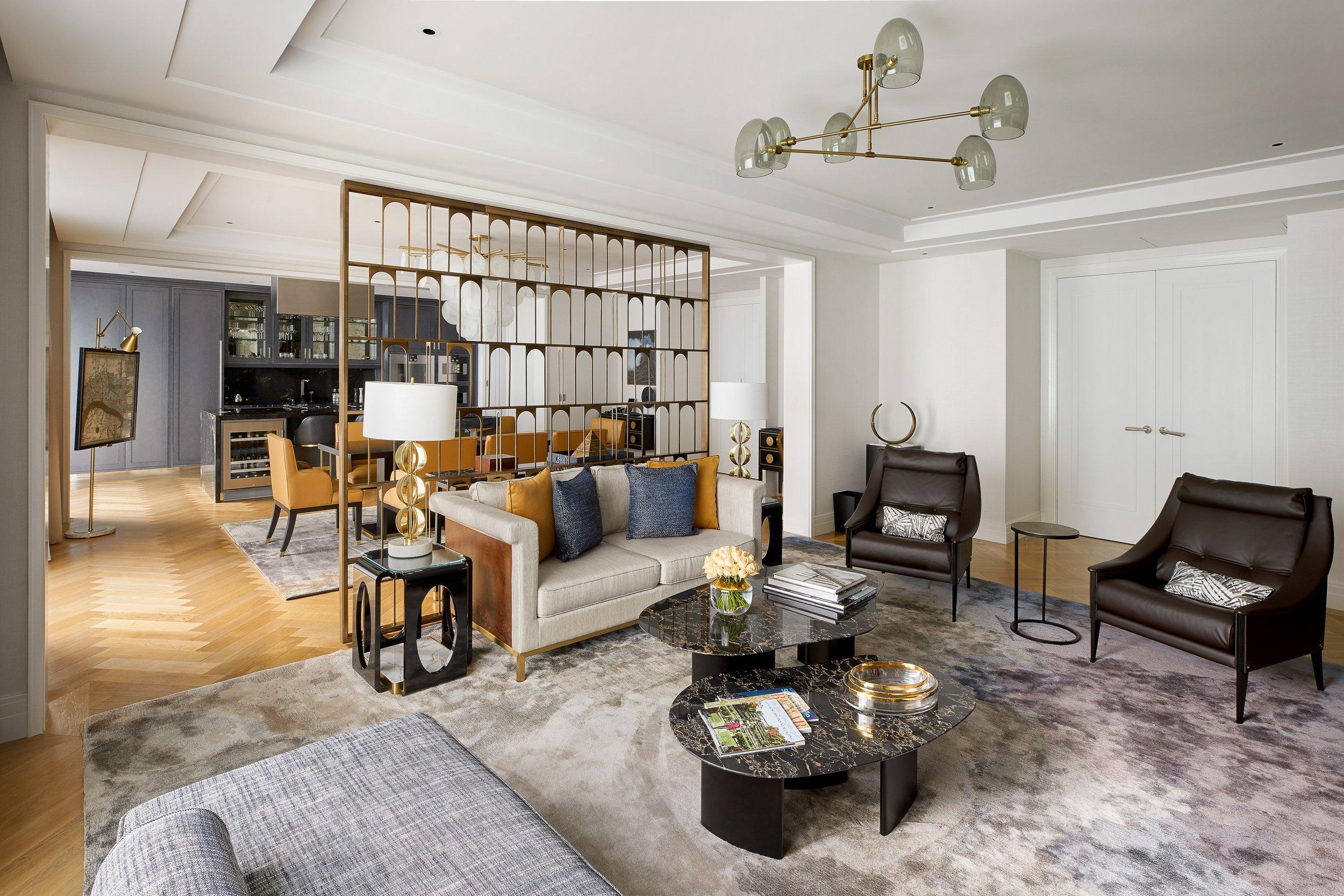 Design internazionale - A tende chiuse si può immaginare di trovarsi in un lussuoso attico a Tribeca, New York, piuttosto che nel mezzo del quartiere finanziario di Shangai.