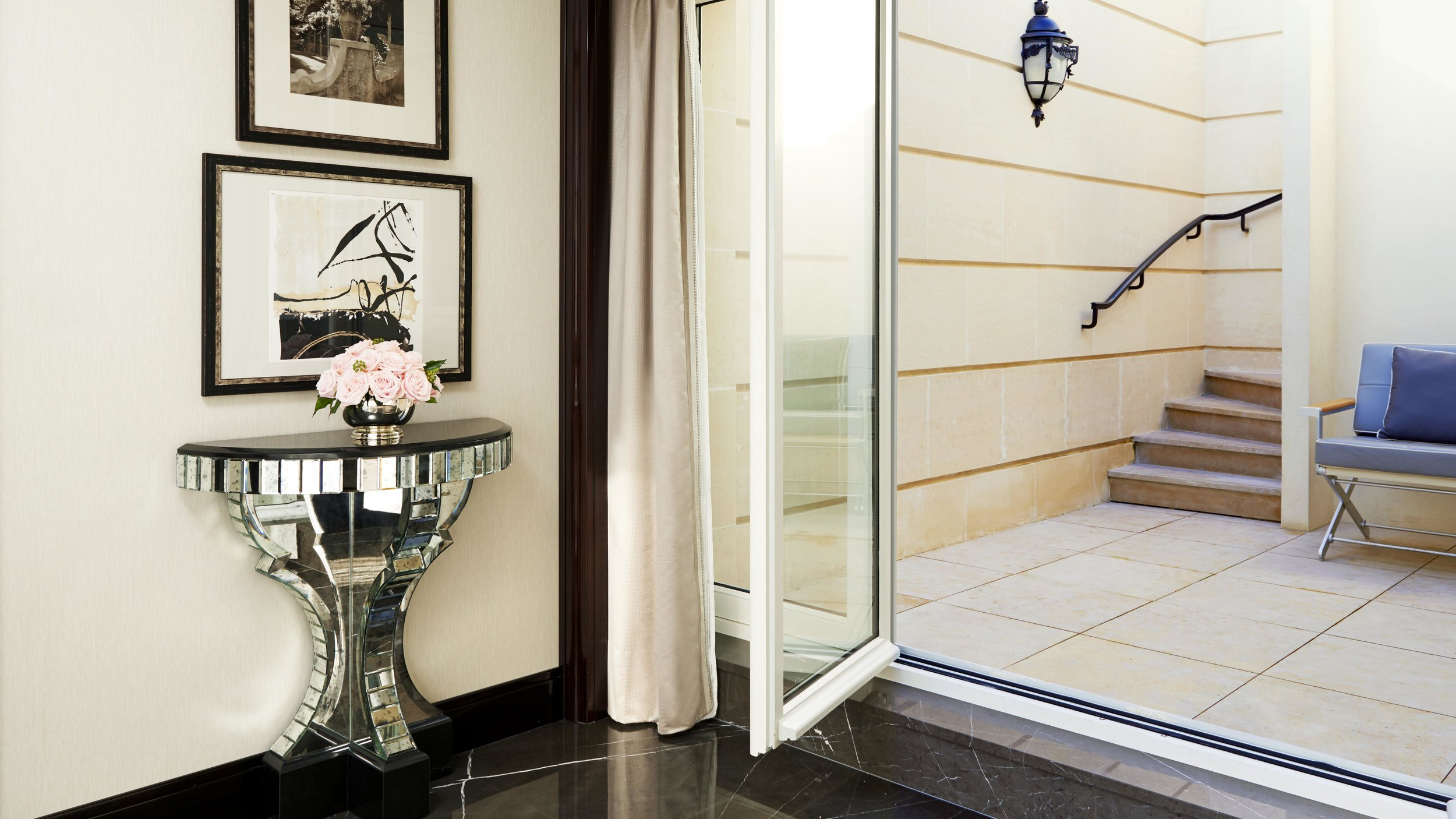 Garden Suite Staircase.jpg