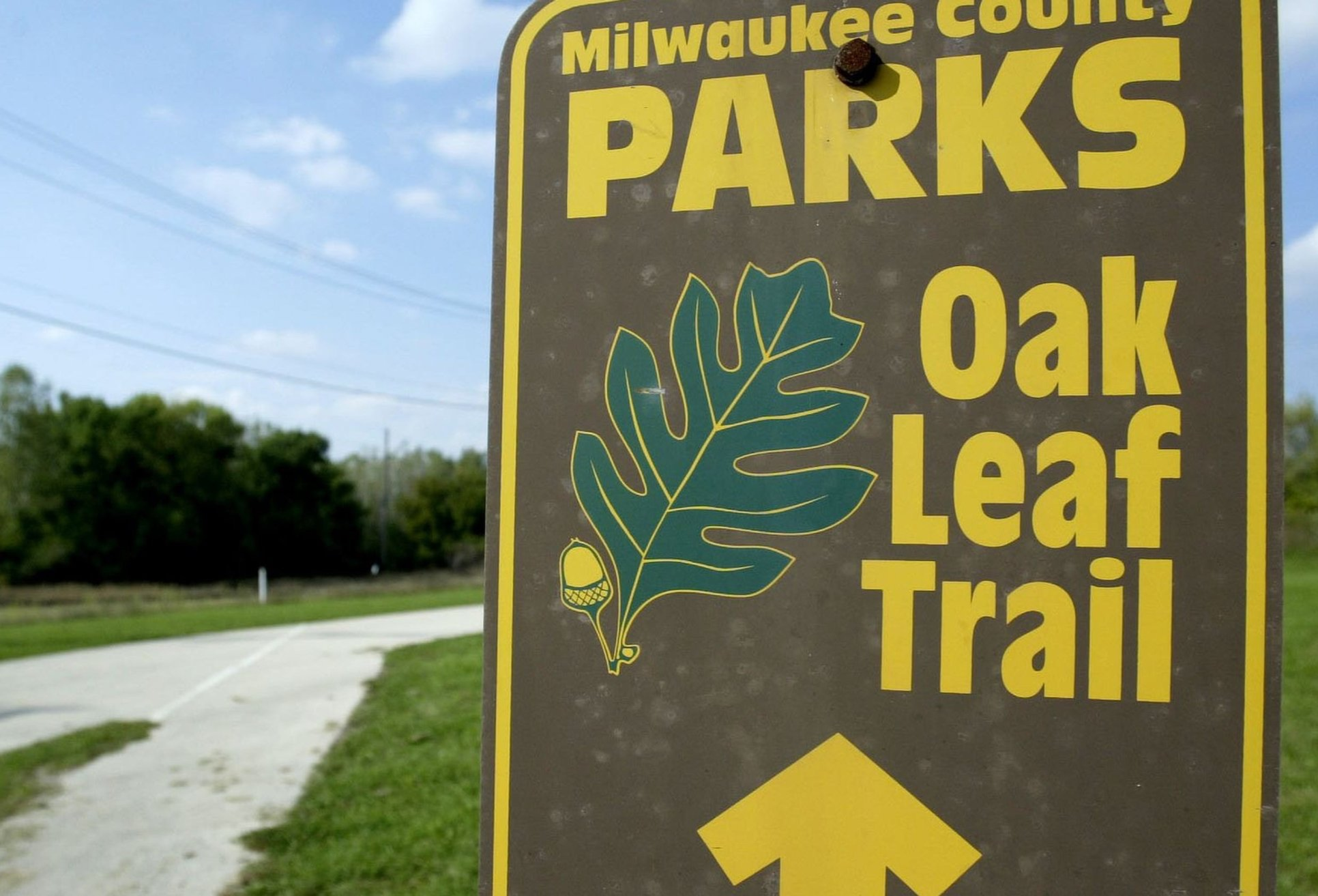 Historic Oak Leaf Trail signage