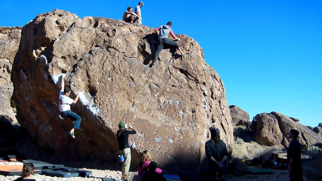 Boulderers Climbing at the Happies in Bishop | Baboon Outdoors