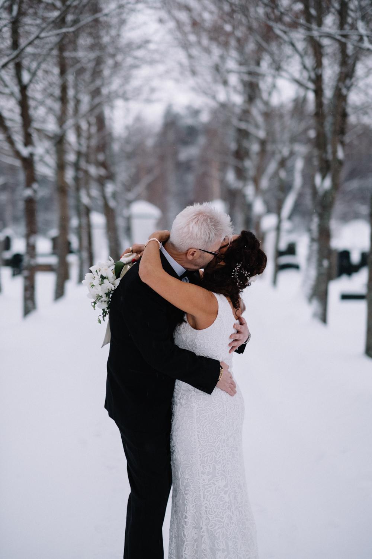 Umeå var vackert och vintrigt och levererade verkligen! Hoppas på liknande väder när jag ska fotografera brudpar på Tjugondedag jul!