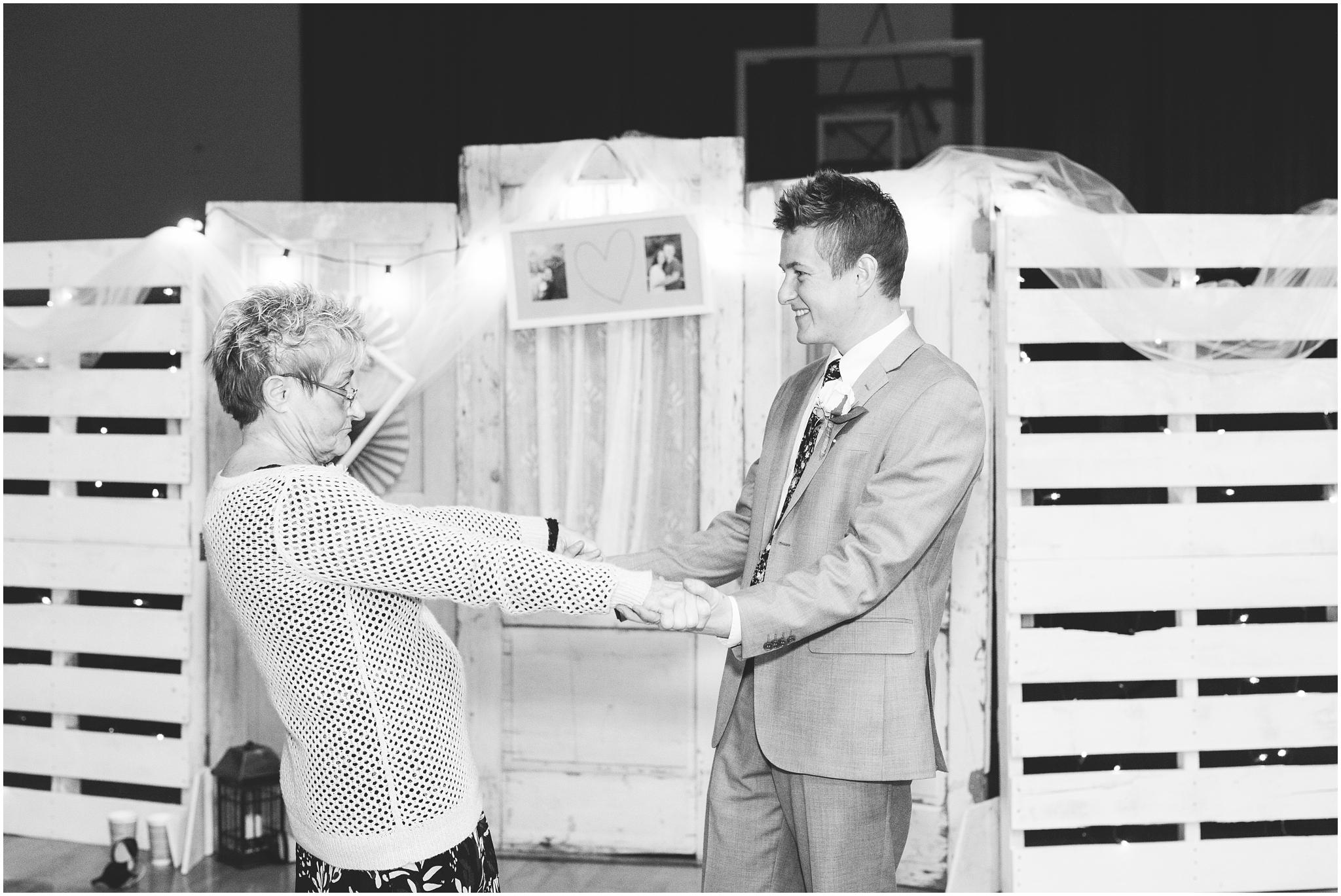 Bo Alyssa Wedding-533-BW_Lizzie-B-Imagery-Utah-Wedding-Photographer-Central-Utah-Photographer-Utah-County-Manti-Temple.jpg